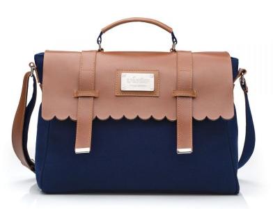 A bolsa certa para você sair um pouco da rotina e encarar o dia com muito charme. Com design moderno e recorte de babadinhos que nunca saem de moda! Acessório ideal para você guardar tudo que precisa.